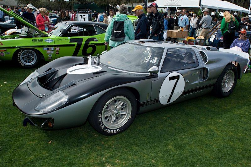 1966 Ford GT-40 Mk II A - Peter LeSaffre