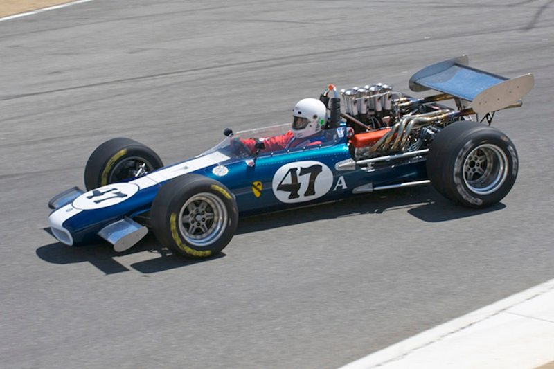 Steve Davis' 1969 Eagle MK5 F5000 negotiates the crest into turn 8.