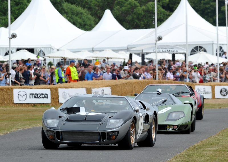 Ford GT40 MK II A and Mantis XP