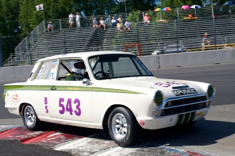 1965 Lotus Cortina 1600cc driven by Roger Andriesse.