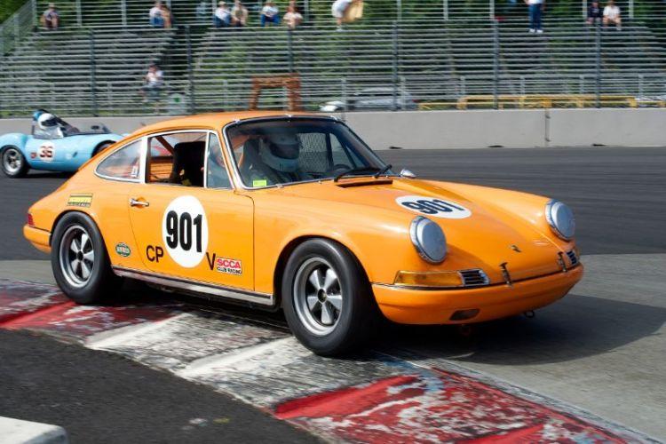 Steve Thayer's 2 liter Porsche 911E.