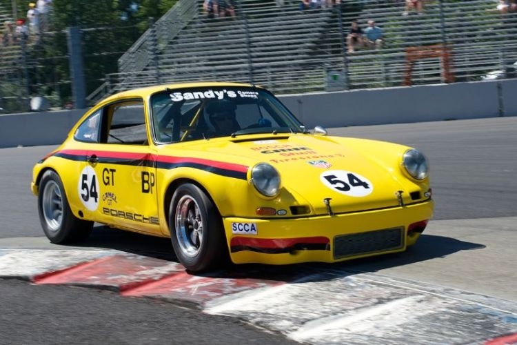 1969 Porsche 911 driven by David Schroeder in turn 1.