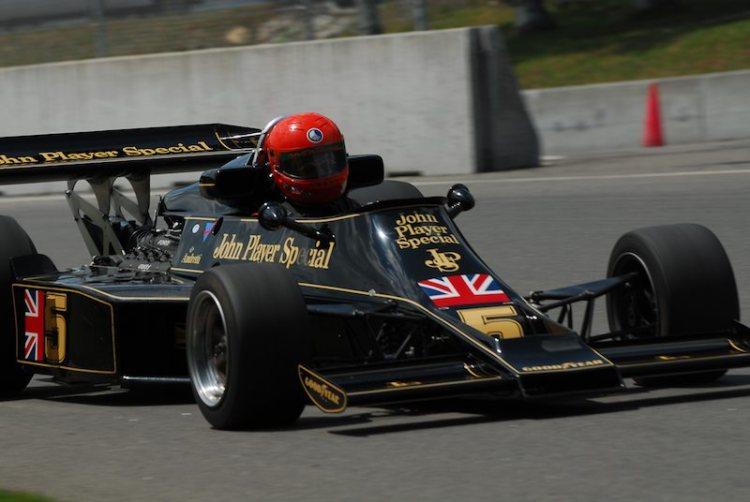 #5- James King- Lotus 77 F1.