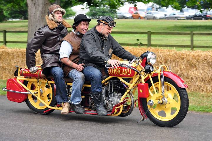 two-wheels-threes-a-crowd