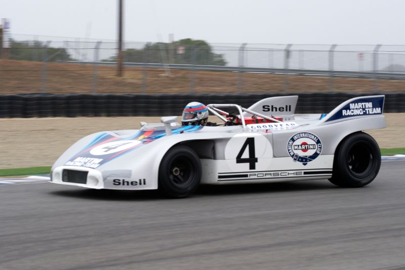 Phil Daigrepont accelerates up the straight in his 1971 Porsche 908/3.