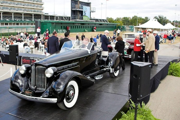 Two magnificent cars, a Packard and a Duesenberg, got an even number of votes for Peoples Choice so both cars got the win.