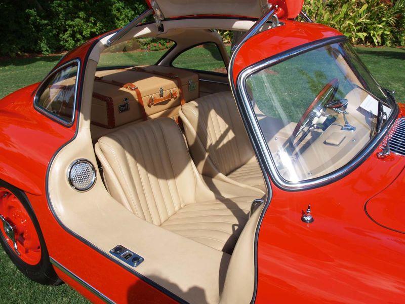 Interior of Mercedes-Benz 300 SL Gullwing