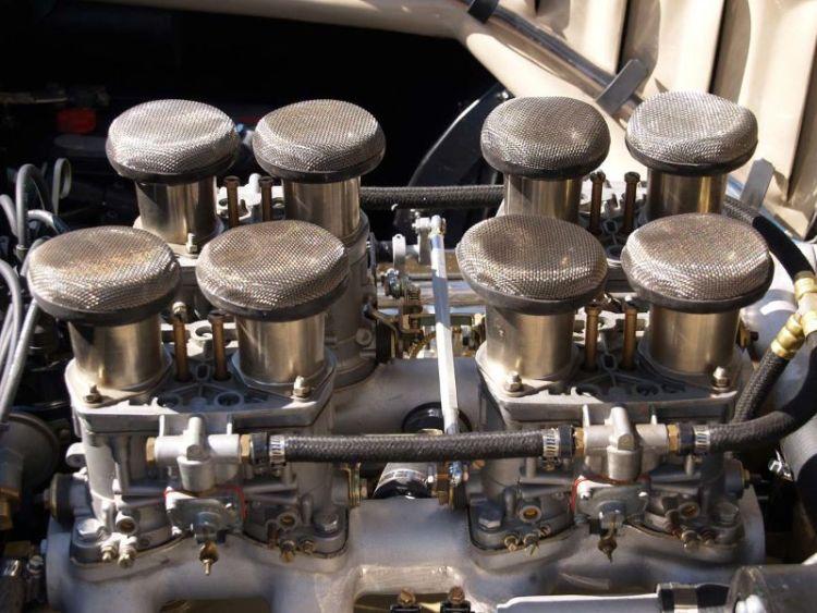 Carburettors of a Cunningham C3 of 1953