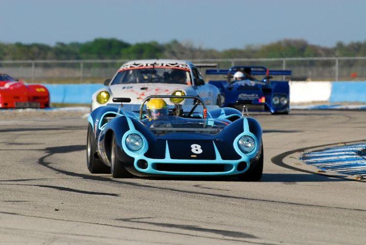 1965 Lola T70Mk1, Byron Defoor.