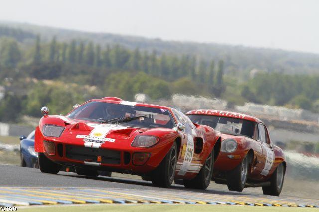 ford-gt40-and-jaguar-e-type