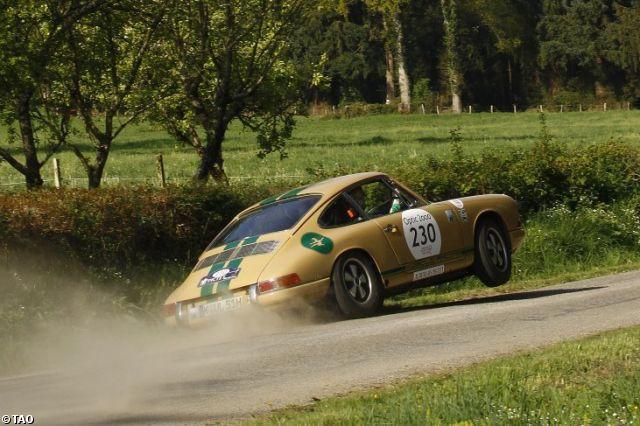 porsche-911-gets-wheel-off