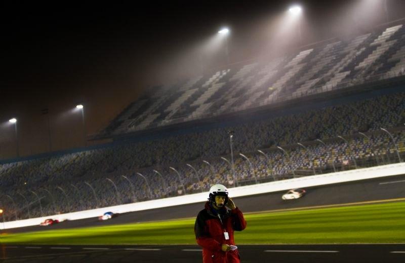 fog-sets-in-at-daytona
