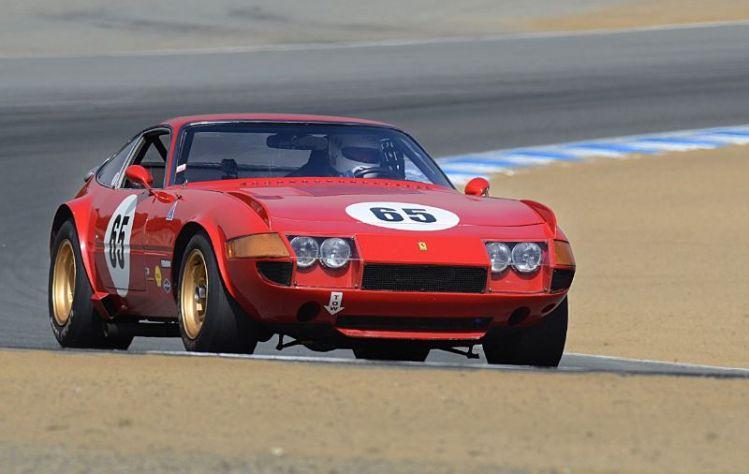 Ferrari 365 GTB/4 Daytona out of turn five.