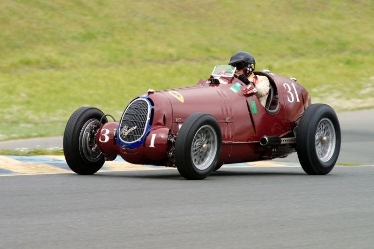 Friday afternoon practice. One of the first cars on track in Group 1 is Peter Giddings in his 1935 Alfa Romeo Tipo C 8C-35.
