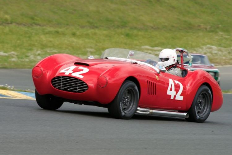 Friday afternoon practice. Another view of James Jard in his 1954 Victress. A loud fast combination.