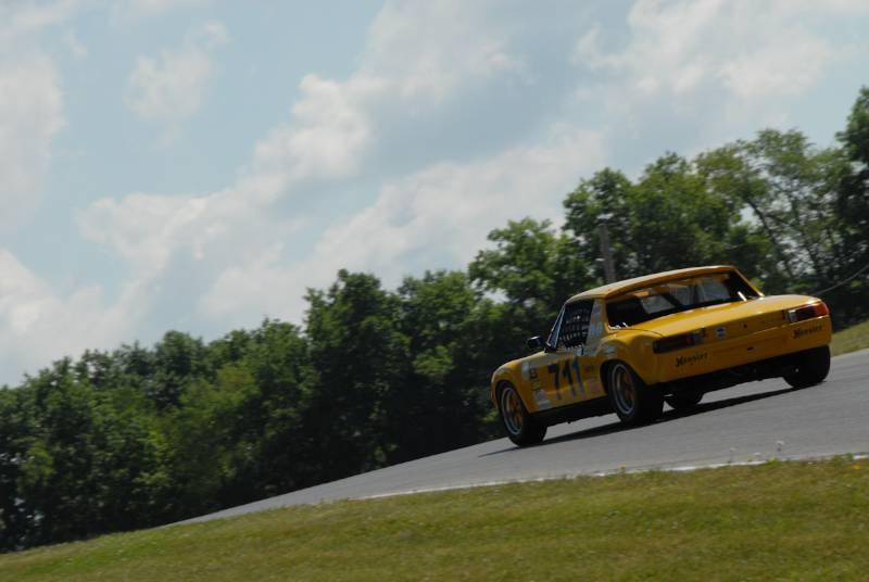 Tom Briest, heads for turm 9. Porsche 914/6.