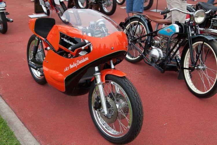 Brad Boyle's AMF Harley Davidson Road Racer.