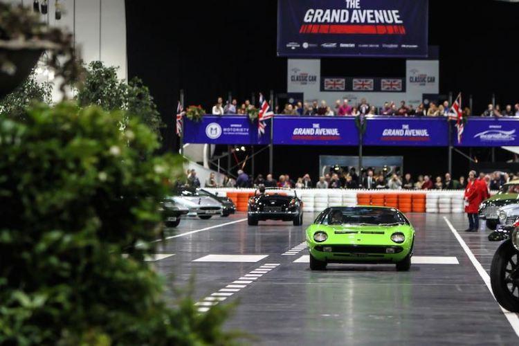 Lamborghini Miura on The Grand Avenue (1)