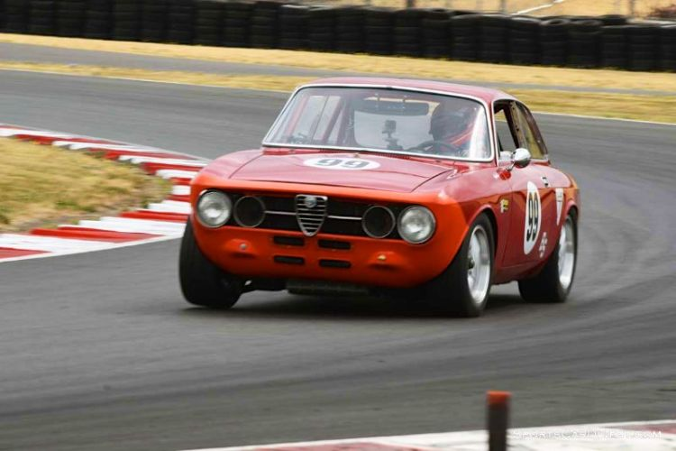 Bruce McKean's 1969 Alfa Romeo GTV at Portland Historic Races 2015