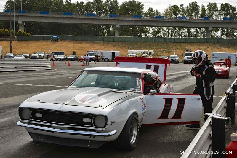Norman Daniels' 1968 Chevrolet Camaro pit stop during Portland Historic Races 2015