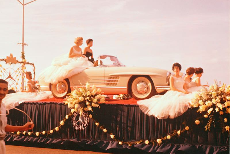 Mercedes-Benz 300 SL Roadster (W 198 II, 1957 to 1963) at a flower parade during the Central American carnival.