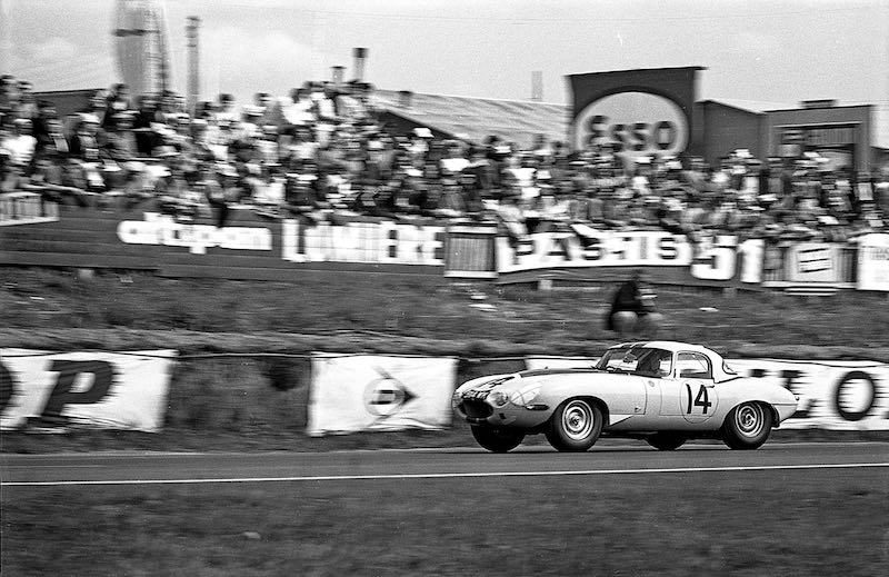 Briggs Cunningham Jaguar E-Type Lightweight, chassis S850664, at Le Mans in 1963 (photo: GP Library)