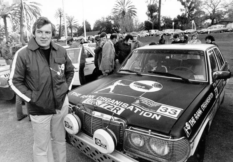 The British rally driver Andrew Cowan wins the 1977 London–Sydney Rally in a model series W 123 Mercedes-Benz 280 E (race number 33). Cowan had already won the first endurance race from London to Sydney in 1968, that time in a Hillman.