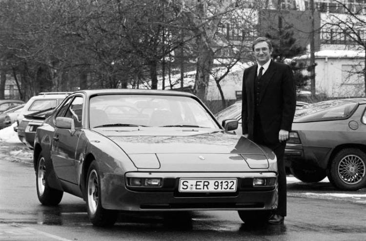 Peter W. Schutz next to the Porsche 944, 1982 in front of the 'Werk 1' in Stuttgart-Zuffenhausen.