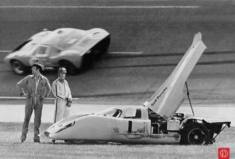 The six-wheel Gulf 917 of Jo Siffert sits disabled after making contact with the dune buggy. Composite photo by Louis Galanos.