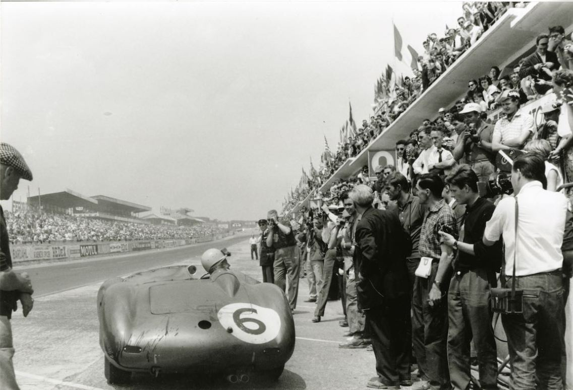 Aston Martin DBR1 of Maurice Trintignant (F) and Paul Frére (BEL)