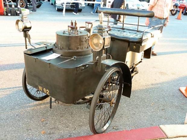 1884 DeDion Bouton et Trepardoux Dos-A-Dos Steam Runabout