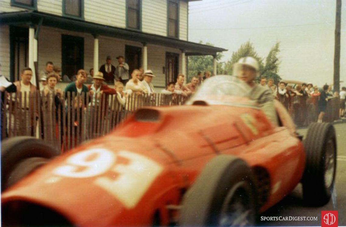 Carroll Shelby in a Ferrari at Giants' Despair Hillclimb (Photo: BARCboys.com)