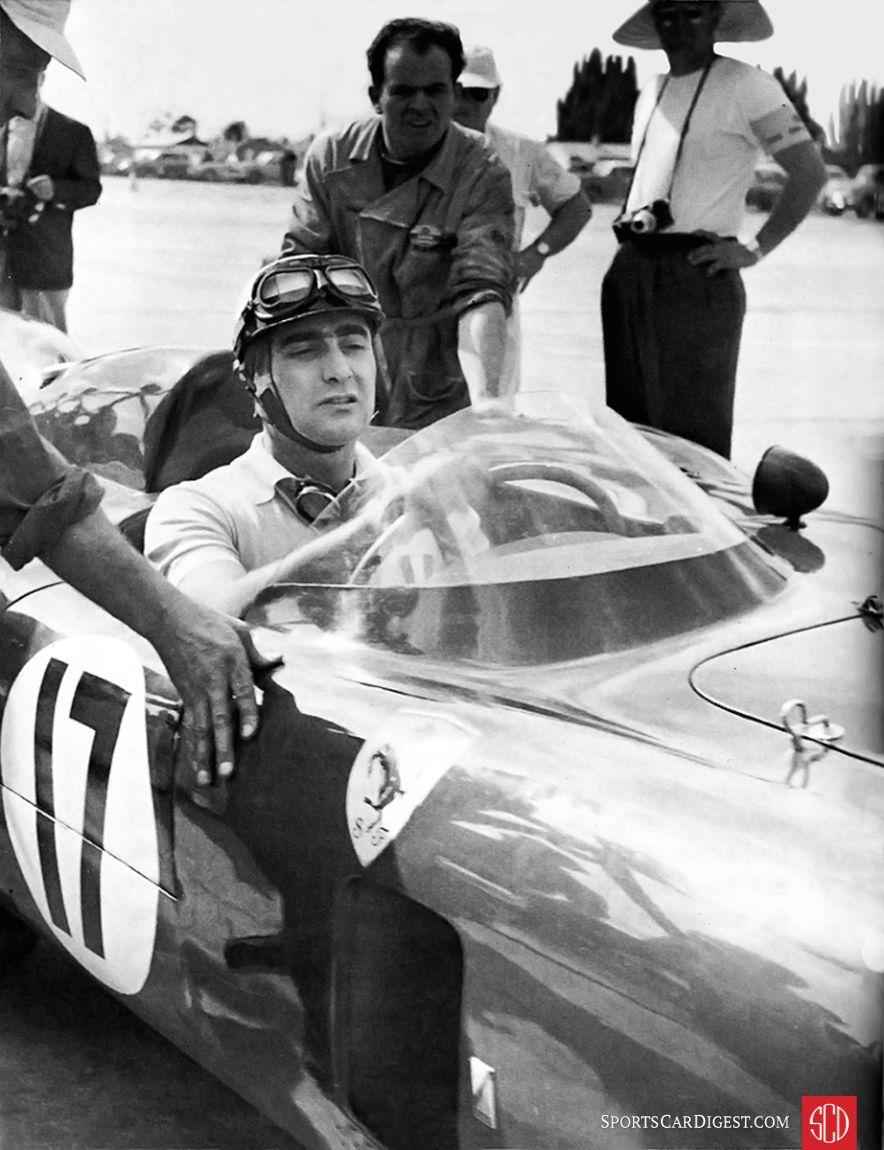 Eugeno Castellotti in a Ferrari at Sebring (SIR photo)