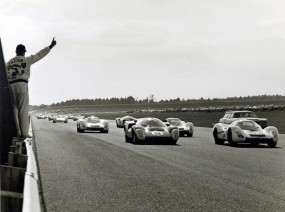 One more lap until the start of the 1969 24 Hours of Daytona