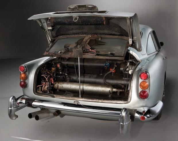 Aston Martin DB5 James Bond Movie Car - Boot