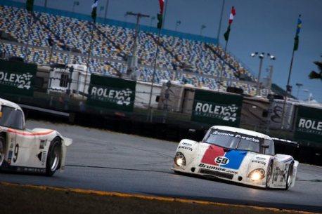 Brumos Racing, Porsche Riley #59 races into the morning