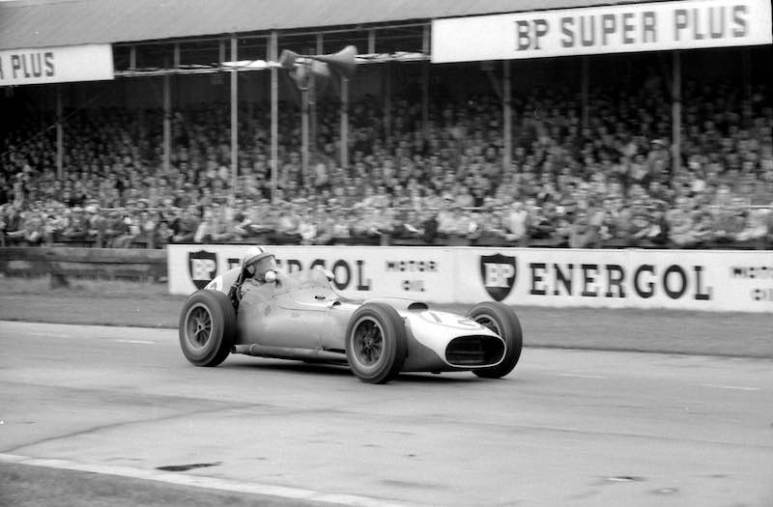 Chuck Daigh in the Scarab F1 at Goodwood in 1961