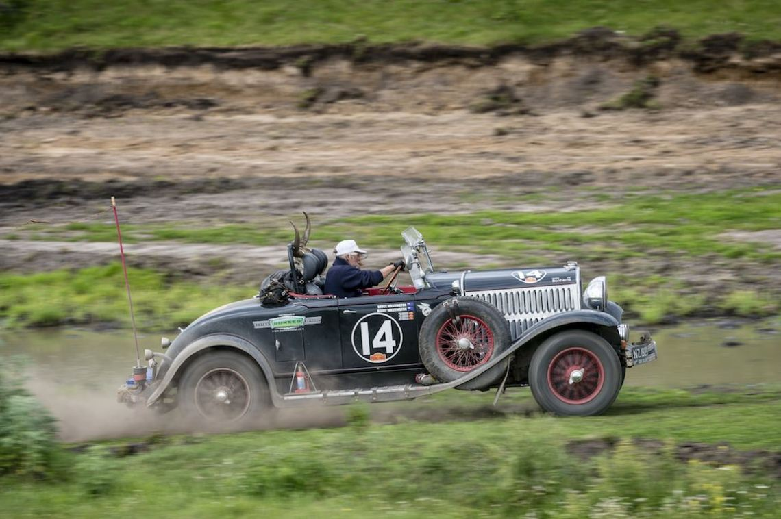 Car 14. Bruce Washington(NZ) / Harry Washington(NZ)1929 - Chrysler 75 Roadster 4078, Peking to Paris 2016., Peking to Paris 2016. Day 17. Tyumen - Ekaterinberg