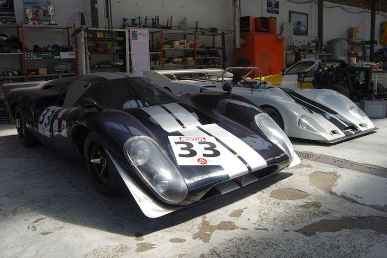 1969 Lola T70 Mk III B and 1977 Lola T286