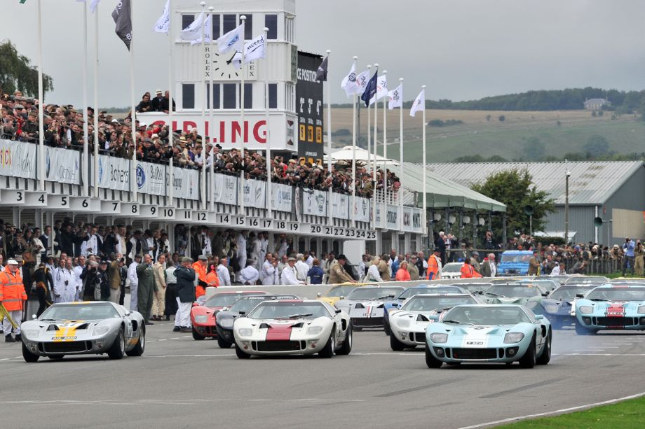 Start of the Whitsun Trophy Race for Ford GT40s