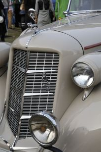 Elegance Award Pre-1950 Auburn 852