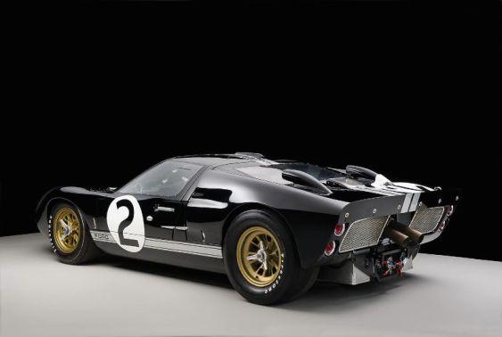 Le Mans Winner - Ford GT40 1046