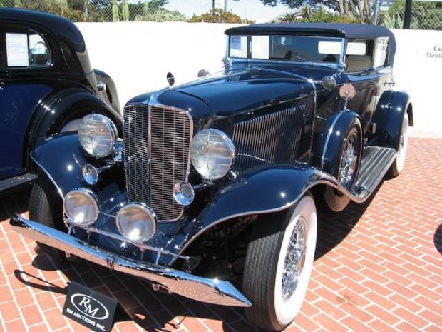 1933 Auburn 12-161A Phaeton Sedan