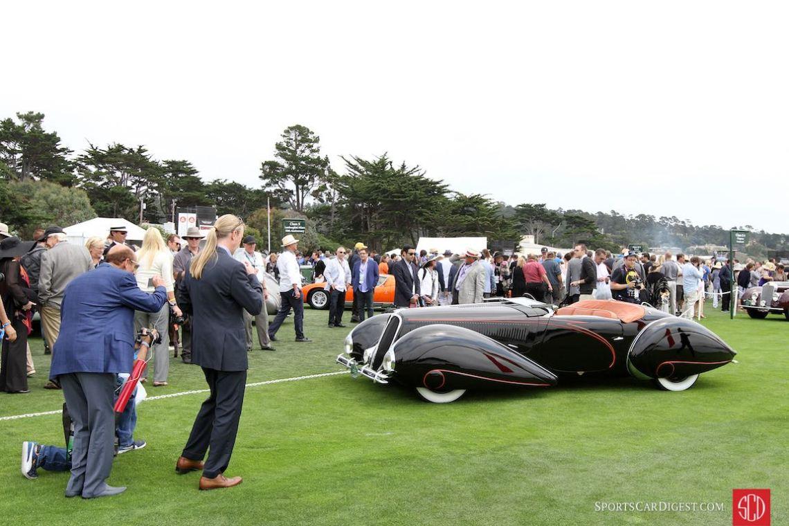 Big crowds around the 1938 Delahaye 135M Figoni and Falaschi Roadster
