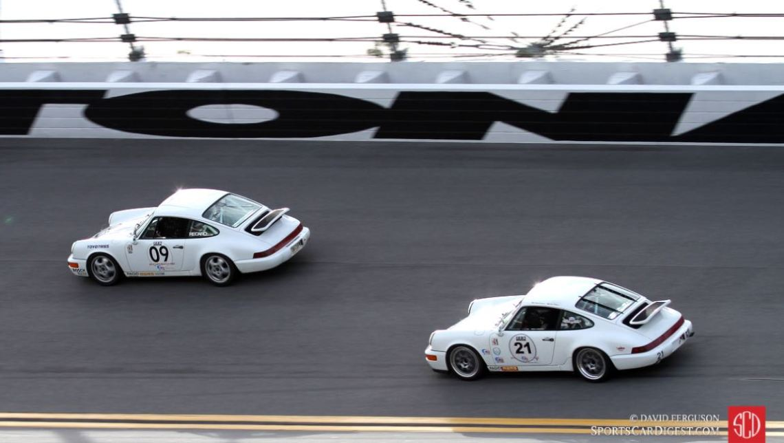 George Calfo, 92 Porsche 964 Cup leads the Frank Kovacevic/Anthony Walker 92 Porsche 911
