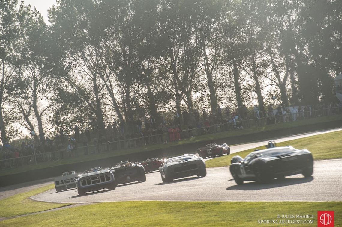Start of the Whitsun Trophy at the Goodwood Revival 2015