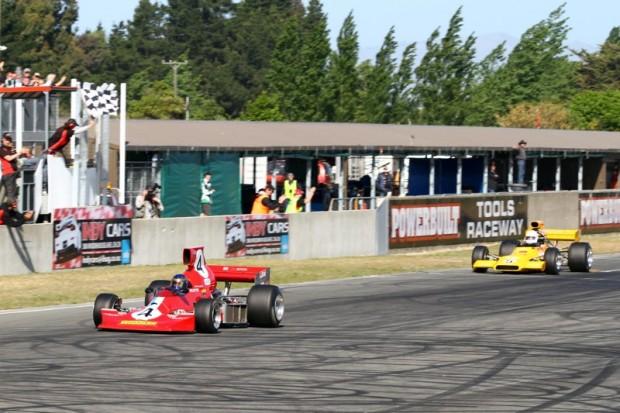 Ken Smith Lola T430 leads