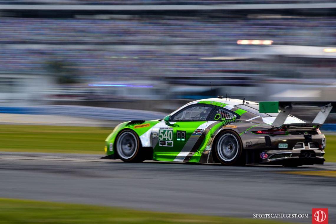 Porsche 911 GT3 R at 2016 Rolex 24 Hours of Daytona