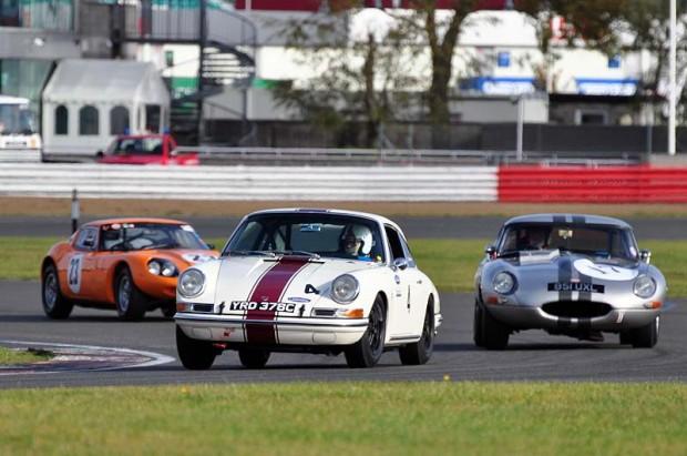 Nigel Williams - Porsche 911 leads Robert Farrell's E-Type Jaguar