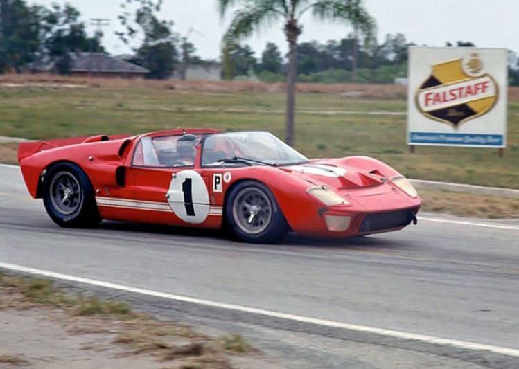 Ken Miles Lloyd Ruby Ford GT40 Mark II roadster, Sebring 12 Hours 1966